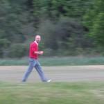 Jocke är beslutsamt på väg mot sin boll